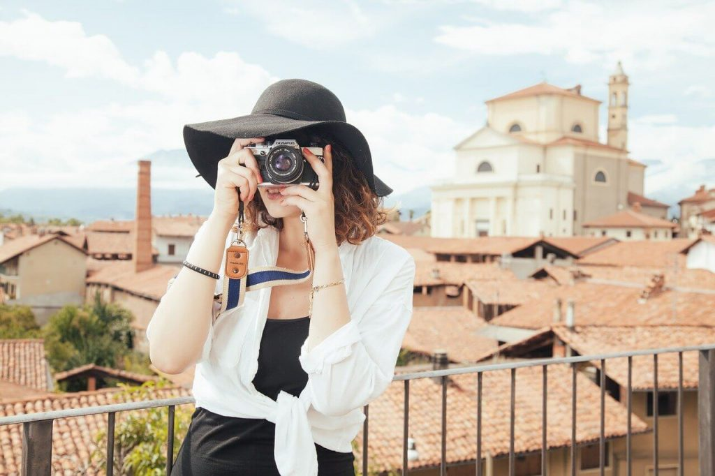 10 Tips on how to travel cheaper
